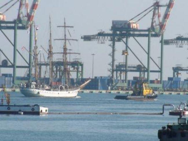زيادة نسبة النشاط في «ميناء عدن» هي الأكبر منذ «8» سنوات ..«أرقام»