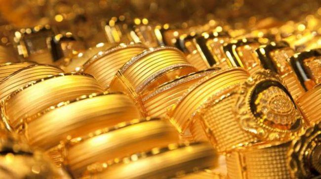 متأثراً بأسعار الصرف.. الذهب يواصل الهبوط الكبير في الأسواق اليمنية