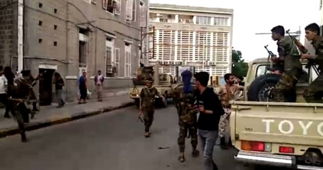تفاصيل كاملة لمعارك عدن بين الإنتقالي والرئاسة اليمنية