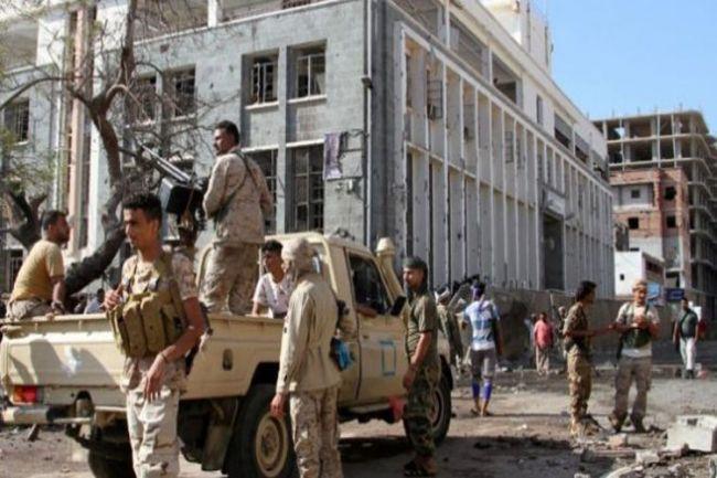 """المجلس الانتقالي الجنوبي يعلن """"رسمياً"""" عدم إنسحاب قواته من المواقع العسكرية بعدن"""