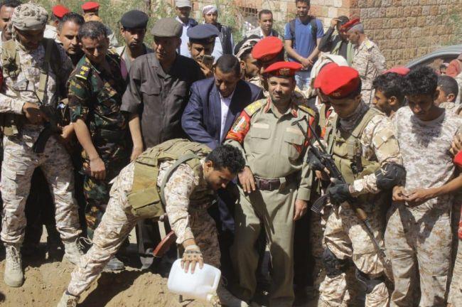 الشرطة العسكرية بـ «تعز» تتلف كميات كبيرة من المخدرات