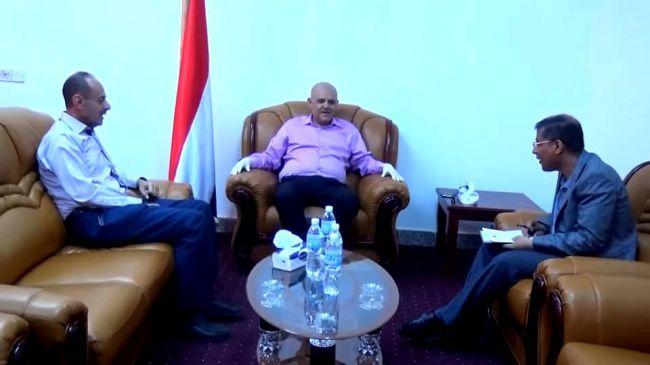 محافظ يلتقي ممثلي منظمة كير والهلال الاحمر اليمني