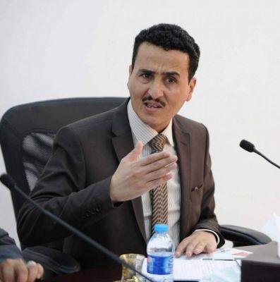 """فهد الشرفي قبل أن تُفتح له أبواب الارتزاق : صالح خدم الحوثيين وعلي محسن هو الوحيد الذي ثبت في قتالهم """" فيديو """""""