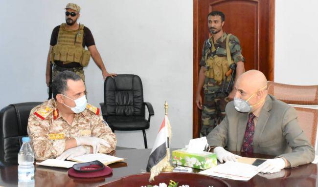 اللجنة الامنية بتعز تعقد اجتماعاً موسعاً لمناقشة الأوضاع العسكرية والامنية بالمحافظة