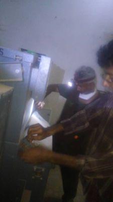 عقب إحتراقه.. إصلاح محول بمستشفى الصداقة في عدن