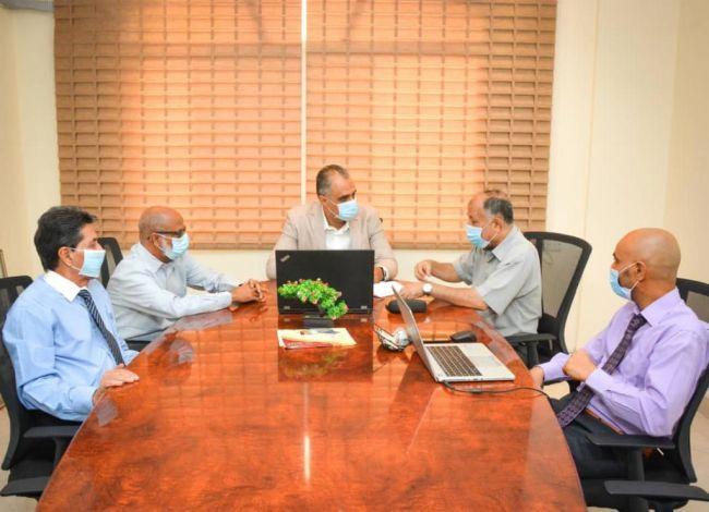 إجتماع يستعرض القدرات المؤسسية لصندوق صيانة الطرق في عدن